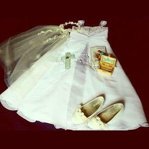 ❤️ Girl's David's Bridal Elegant White Dress